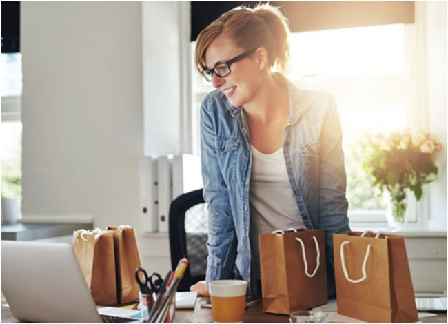 online-shopping-computer-woman