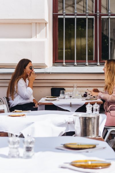 How to Stick to Your Diet While Socializing With Friends and Family